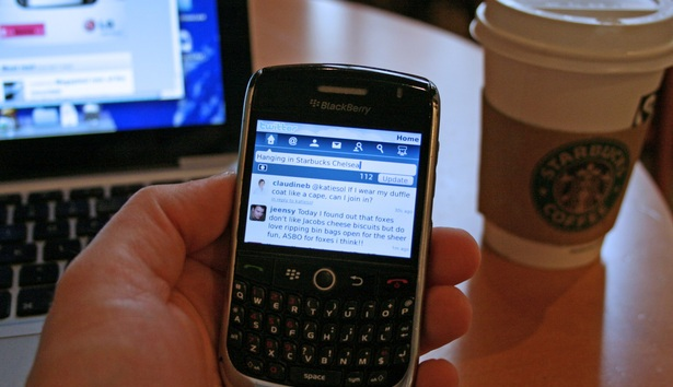 twitter-for-blackberry-app-live-0