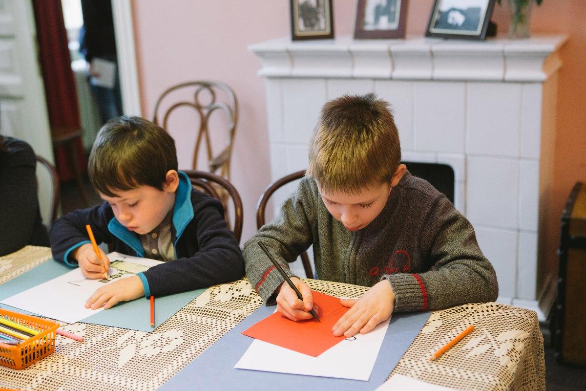 Музейная мастерская по детским стихам Осипа Мандельштама «Мы с тобой на кухне посидим...»